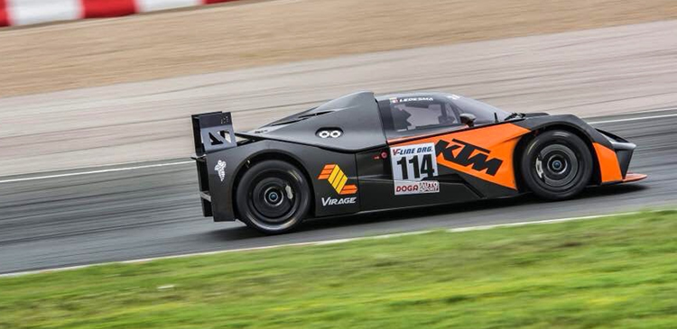 Double win in Spanish GT at Navarra